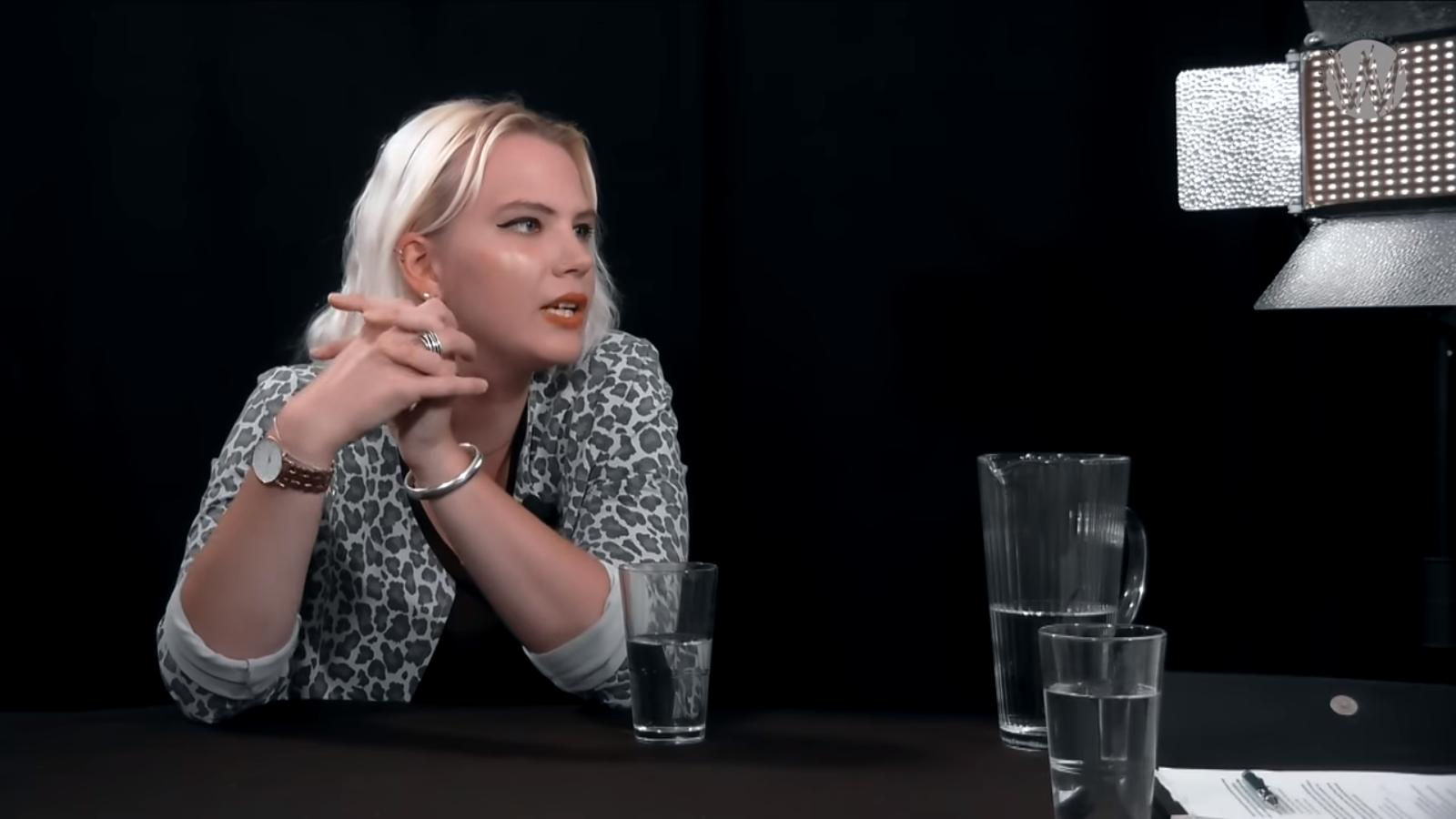 Interview: Anne Fleur Dekker, de (Slimste) Mens achter de Meningen