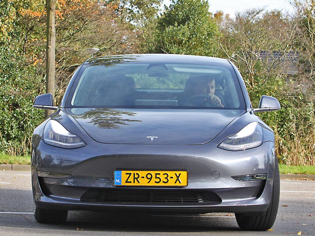 Alien Musk, Tesla Model 3 autotest